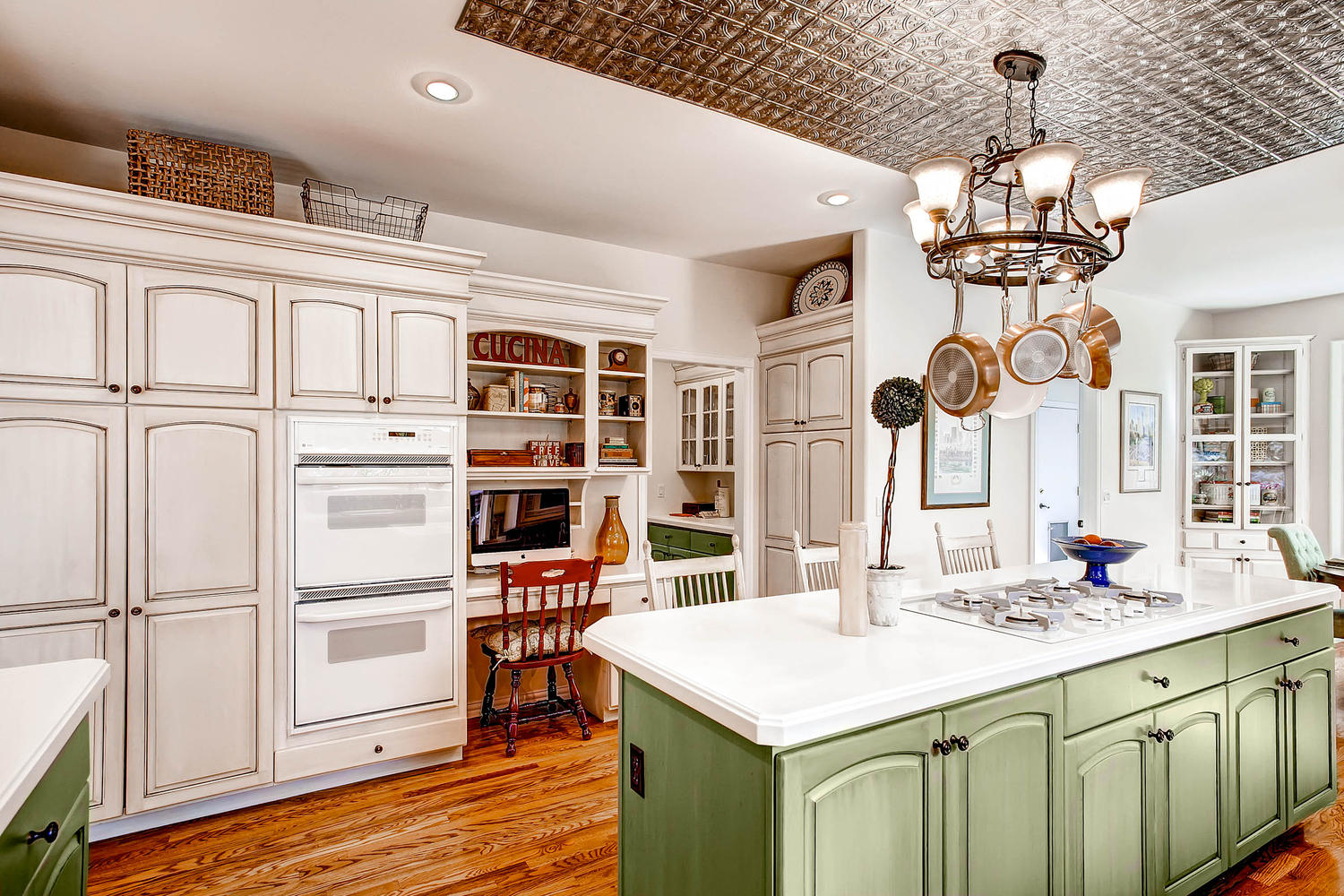 Before & After Kitchen redecorating in Centennial, Colorado
